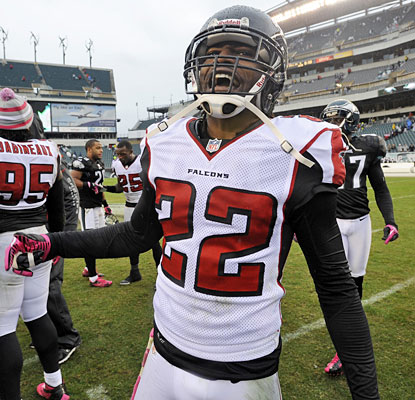 Asante Samuel enjoys his return to Philly, helping the Falcons stay unbeaten; 'We're 7-0 over here baby,' he says.  (Getty Images)