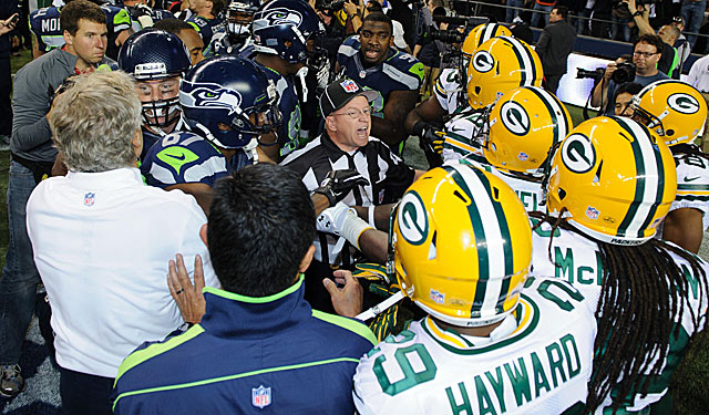 The aftermath of the Packers-Seahawks mess helps end the great replacement ref experiment. (US Presswire)