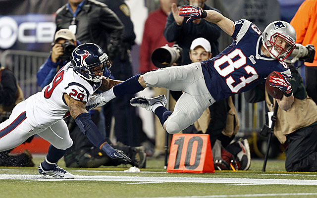 Patriots wide receiver Wes Welker goes for eight catches and 131 yards against the Texans. (US Presswire)