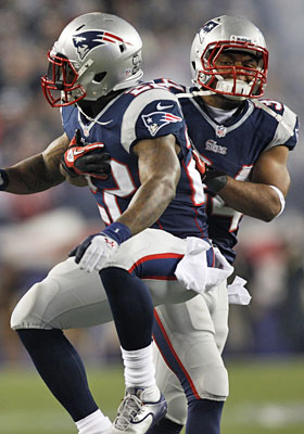 Patriots running backs Stevan Ridley and Shane Vereen will be key in the AFC title game. (AP)