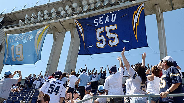 Seau ranks with the legends in Chargers history. (US Presswire)