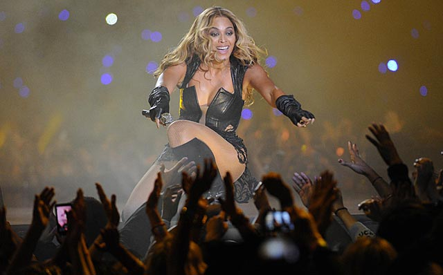 The Superdome lights went out minutes after Beyonce's performance ended. (US Presswire)