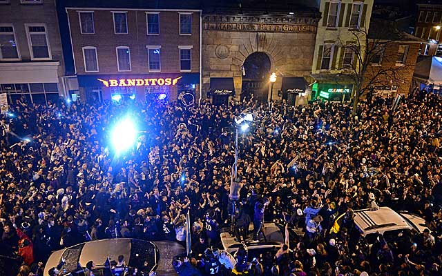 Baltimore fans pour into the streets after the Ravens' victory in Super Bowl XLVII. (Getty Images)