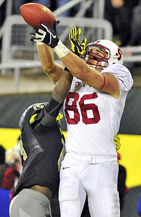 Stanford's Zach Ertz is the top tight-end prospect in the 2013 draft. (Getty Images)