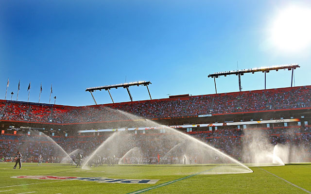The Dolphins want a canopy to shield fans from the sun while allowing them to keep a grass field. (Getty Images)