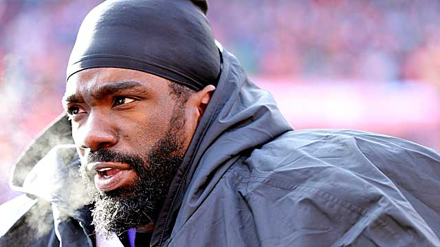 At 35, nearing the end of his career, how much is Ed Reed worth as a free agent? (Getty Images)