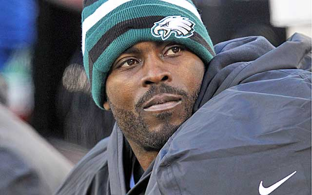 Vick was slated to sign copies of his book at Barnes & Noble stores. (USATSI)