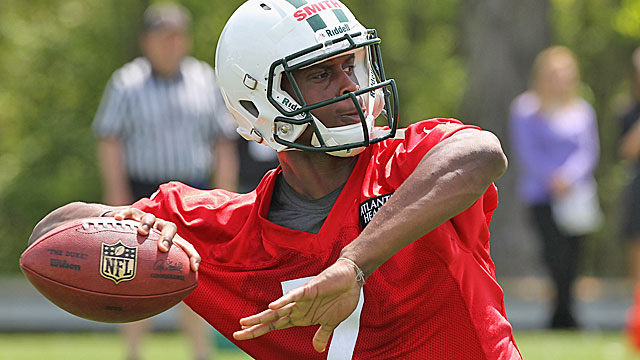 Will the Jets start Geno Smith right away or go with Mark Sanchez? (Getty Images)