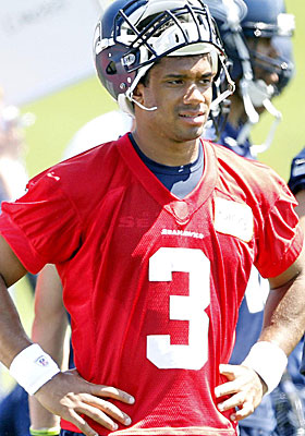 Russell Wilson is going to be stuck in his rookie deal until 2015. (USATSI)