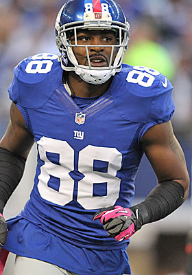 Does Hakeem Nicks get paid before Victor Cruz? (USATSI)