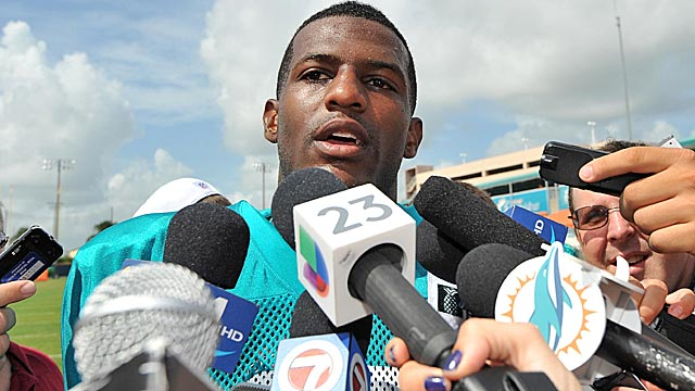 Mike Wallace is a popular attraction for the media Wednesday. (USATSI)