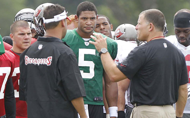 Josh Freeman (5) says he and Bucs coach Greg Schiano became closer this offseason. (USATSI)