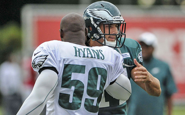 Linebacker DeMeco Ryans is one of the several Eagles players to open their arms to Riley Cooper. (USATSI)