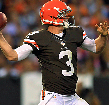 Brandon Weeden looks good for the second straight week, throwing for 117 yards and two touchdowns.  (USATSI)