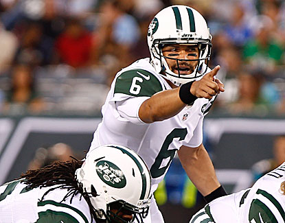 Mark Sanchez leads the Jets on five scoring drives, throwing for 169 yards, one touchdown and one pick. (USATSI)