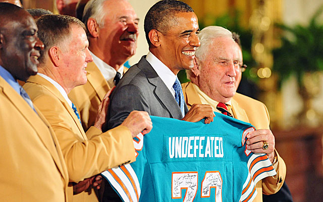 President Obama meets with members of the 1972 Dolphins at the White House on Tuesday. (USATSI)