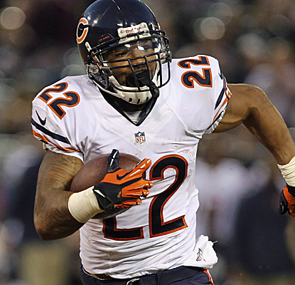 Matt Forte compiles 109 total yards as the Bears offense finally finds some rhythm against the Raiders.  (USATSI)