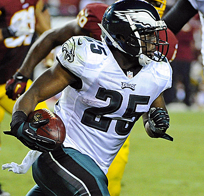 LeSean McCoy helps the Eagles score 33 unanswered points, rushing for 184 yards and a touchdown.  (USATSI)