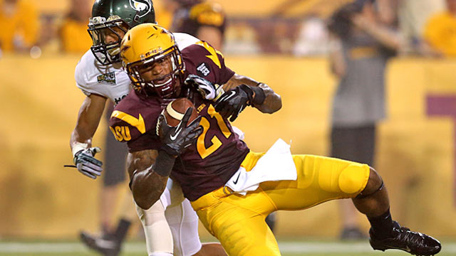 Arizona State WR Jaelen Strong opens more eyes with 12 catches against Stanford. (USATSI)