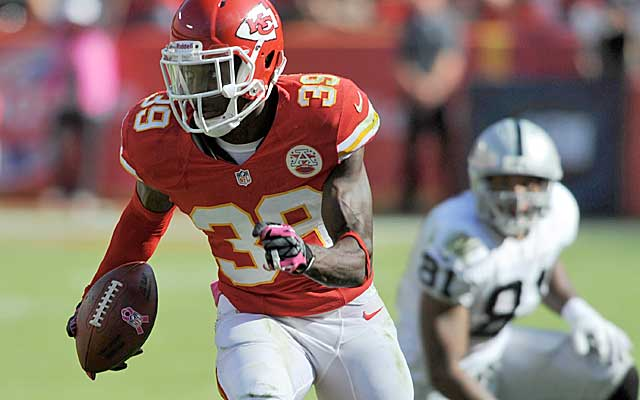 Chiefs DB Husain Abdullah takes a pick to the end zone in a dominant win over the Raiders.  (USATSI)