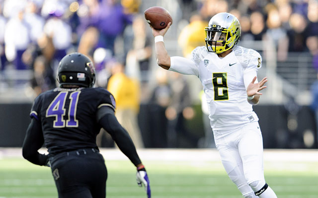 Marcus Mariota proved his worth as a top-five prospect in Oregon's victory at Washington last week. (USATSI)