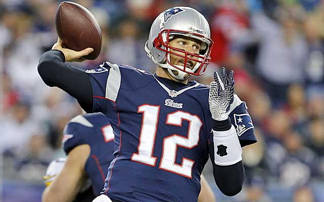 Tom Brady throws for more than 400 yards in a big win over the Steelers.  (USATSI)