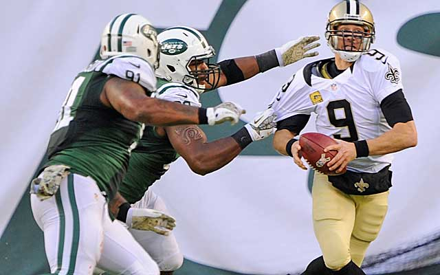 Drew Brees and the Saints lay an egg against the Jets.  (USATSI)