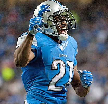 Reggie Bush racks up 182 yards of total offense and a touchdown in the Lions' win. (USATSI)