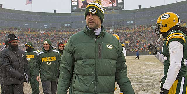 Should the Packers try to bring Aaron Rodgers back for a playoff push? (USATSI)