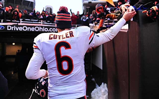 After a shaky first half, Jay Cutler leads the Bears to a pivotal win in the second half.  (USATSI)