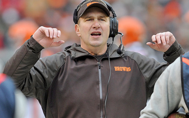 Rob Chudzinski gets the gate after the Browns finish the season with seven consecutive losses. (USATSI)