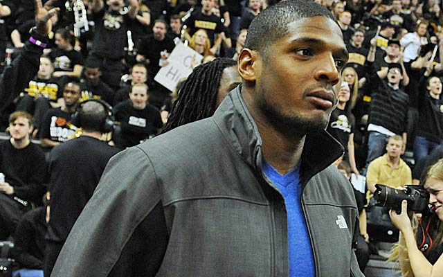 Michael Sam's every step will be scrutinized by the media and NFL teams. (USATSI)