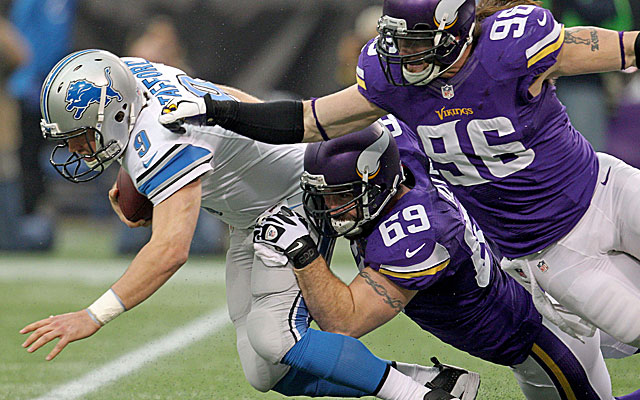 Minnesota Vikings DE Jared Allen has terrorized NFC Central QBs for a decade but could leave via free agency. (USATSI)
