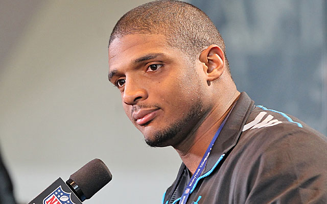 Michael Sam is the focus of unprecedented media scrutiny at the scouting combine. (USATSI)