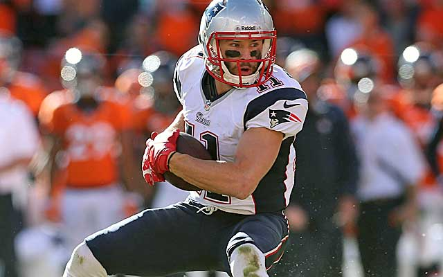 What's Julian Edelman worth? Riley Cooper's deal provides a jumping-off point.   (USATSI)