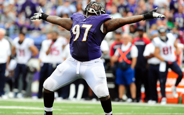 Former Ravens defensive lineman Arthur Jones signs with Colts. (USATSI)