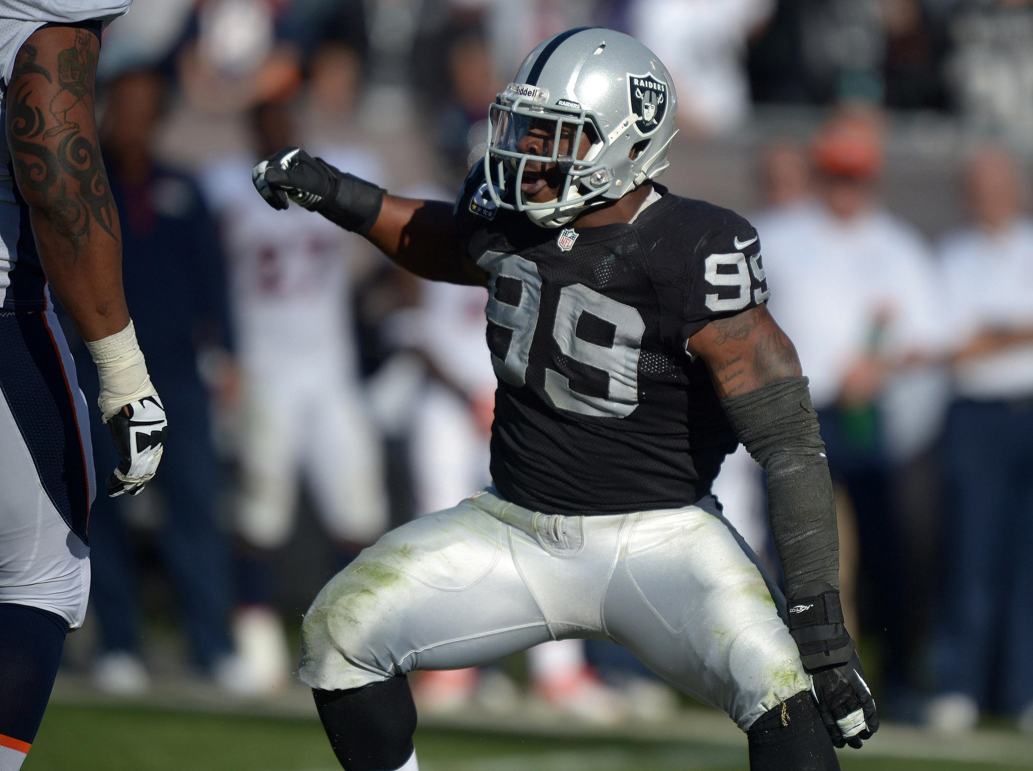Former Raiders defensive end Lamarr Houston agrees to terms with Bears. (USATSI)