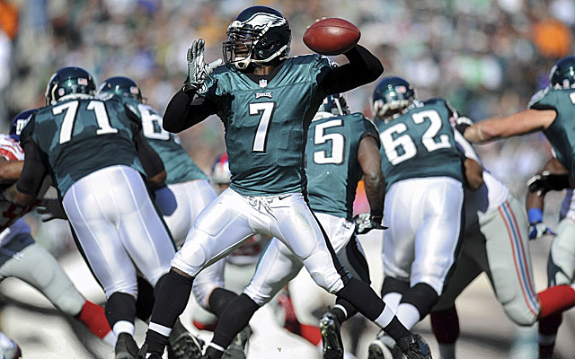 Michael Vick could be wearing a different shade of green next season with the Jets. (USATSI)