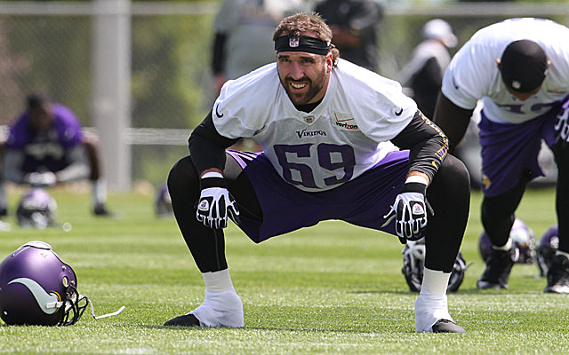 Jared Allen is seeking $12M a year but might have to settle for closer to $9M. (USATSI)