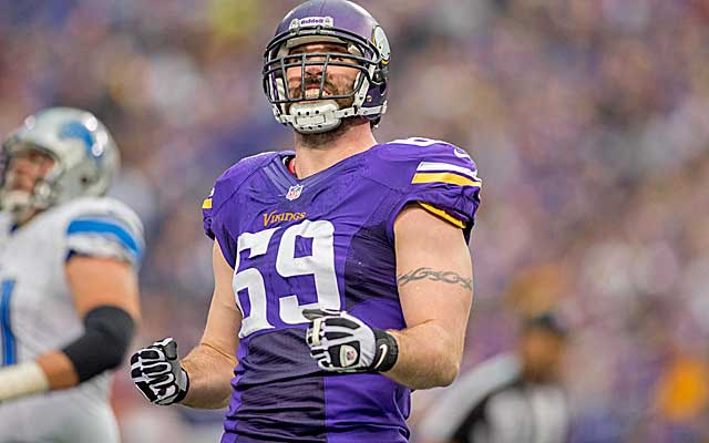 Jared Allen remains in the NFC North, replacing Julius Peppers at DE for the Bears.   (USATSI)