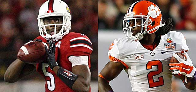 By end of this first round, Teddy Bridgewater is looking downfield for Sammy Watkins. (USATSI)