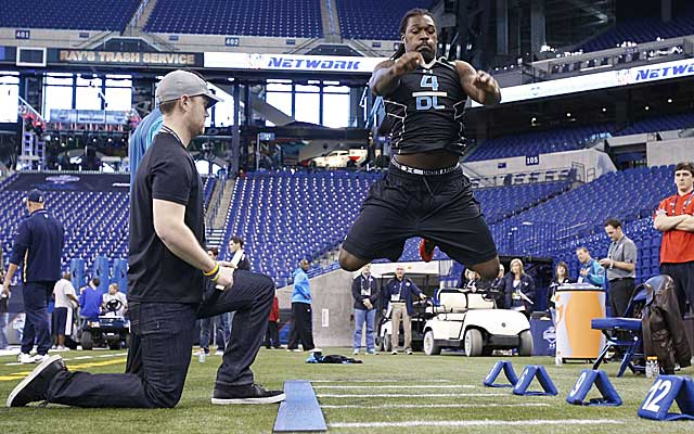 Scouts feel Jadeveon Clowney's athletic ability makes shaky 2013 numbers irrelevant. (USATSI)