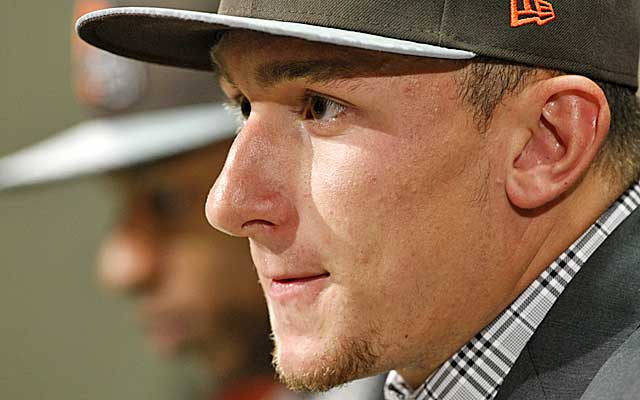 Johnny Manziel could be in for a long rookie season, given the Browns' dearth of weapons.    (USATSI)