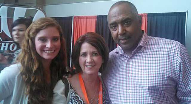 Marvin Lewis poses for pictures, but he wasn't the big deal on this night. (Twitter)