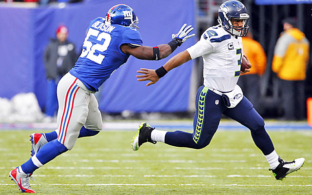 The Giants landed Jon Beason for a seventh-rounder last year but finding LB help will be tougher now.  (USATSI)