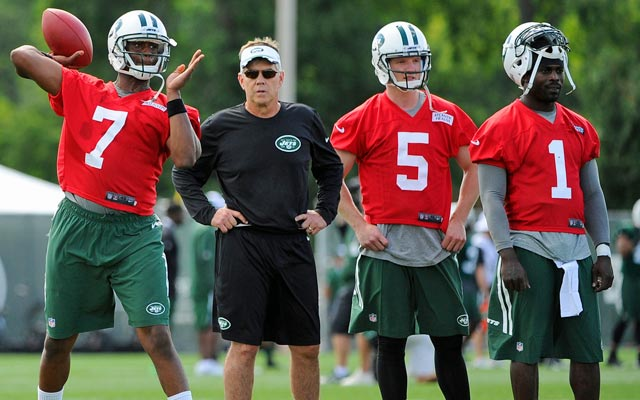 Geno Smith (7) is getting the reps, but Michael Vick (1) might end up winning the job. (USATSI)