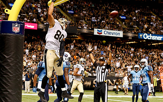 Jimmy Graham decides to make a slam-dunk (and childlike) statement.  (USATSI)
