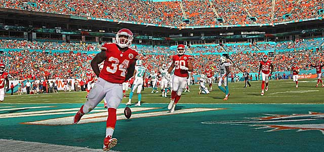 The Chiefs' Knile Davis makes the most of his starting chance, scoring in South Florida. (Getty Images)