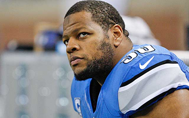Ndamukong Suh fits the Raider profile, but would Oakland have to overpay for him to land him as a free agent? (USATSI)