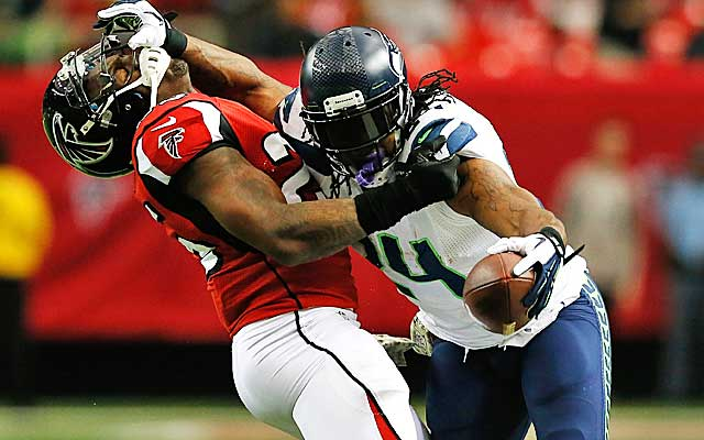 The NFL's best players revere Marshawn Lynch's blend of raw strength and balance. (USATSI)